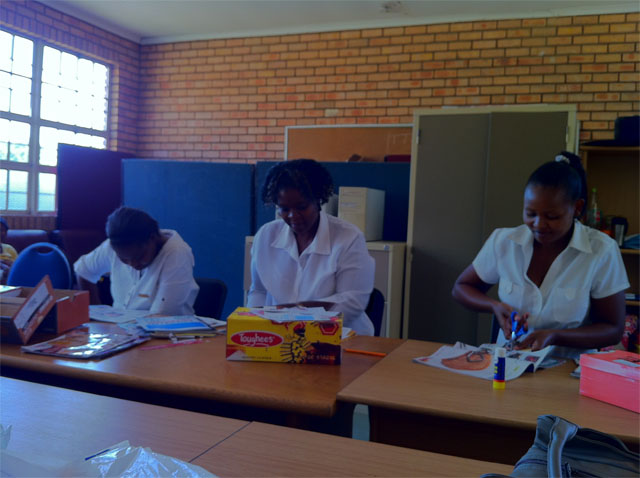Caregivers at Kopano Lerato, Winterveld, Pretoria, Making Memory Boxes01